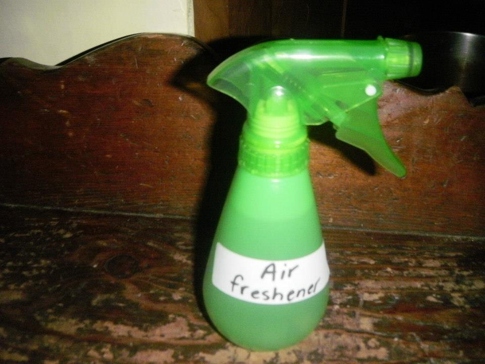 Homemade air freshener eco friendly baby family products for Baking soda air freshener recipe